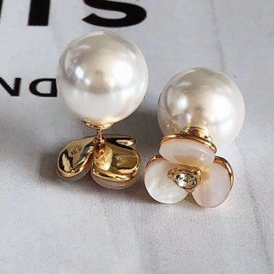 Mother-Of-Pearl Clover Petals Pearl Earrings